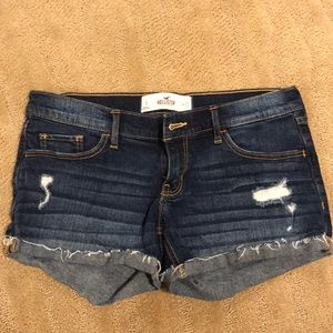 Hollister size 5 distressed denim shorts